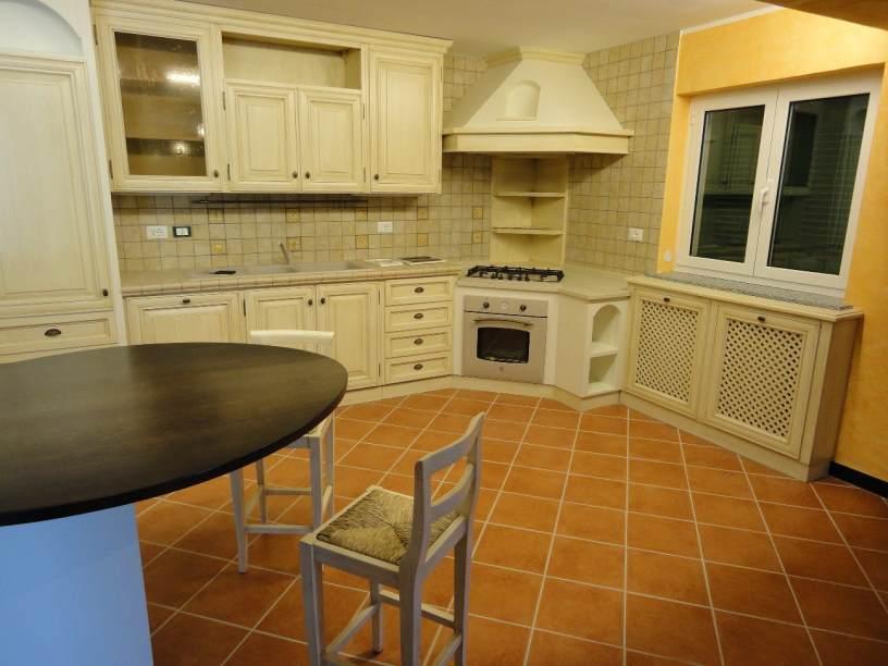 Arredamenti oscar bellotto – Cucina finta muratura e taverna genova ...