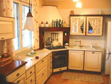 Arredamenti oscar bellotto – Cucina in taverna noce con ...