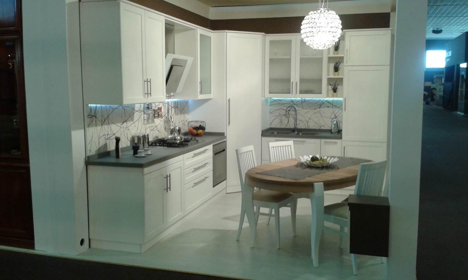 Arredamenti oscar bellotto – Cucina ad angolo frassino bianco