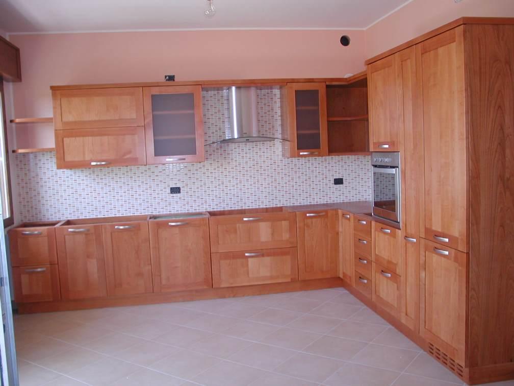 Arredamenti oscar bellotto cucina ad angolo in ciliegio - Cucine in ciliegio moderne ...