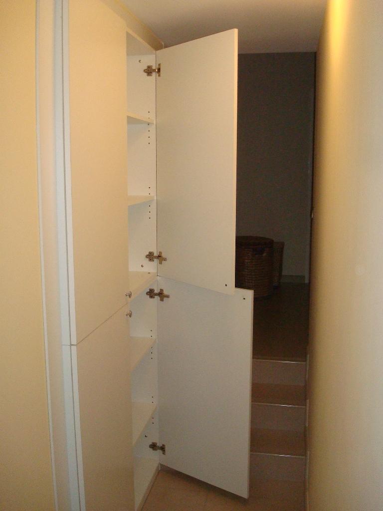 Arredamenti oscar bellotto armadio corridoio laccato bianco for Aurelia arredamenti