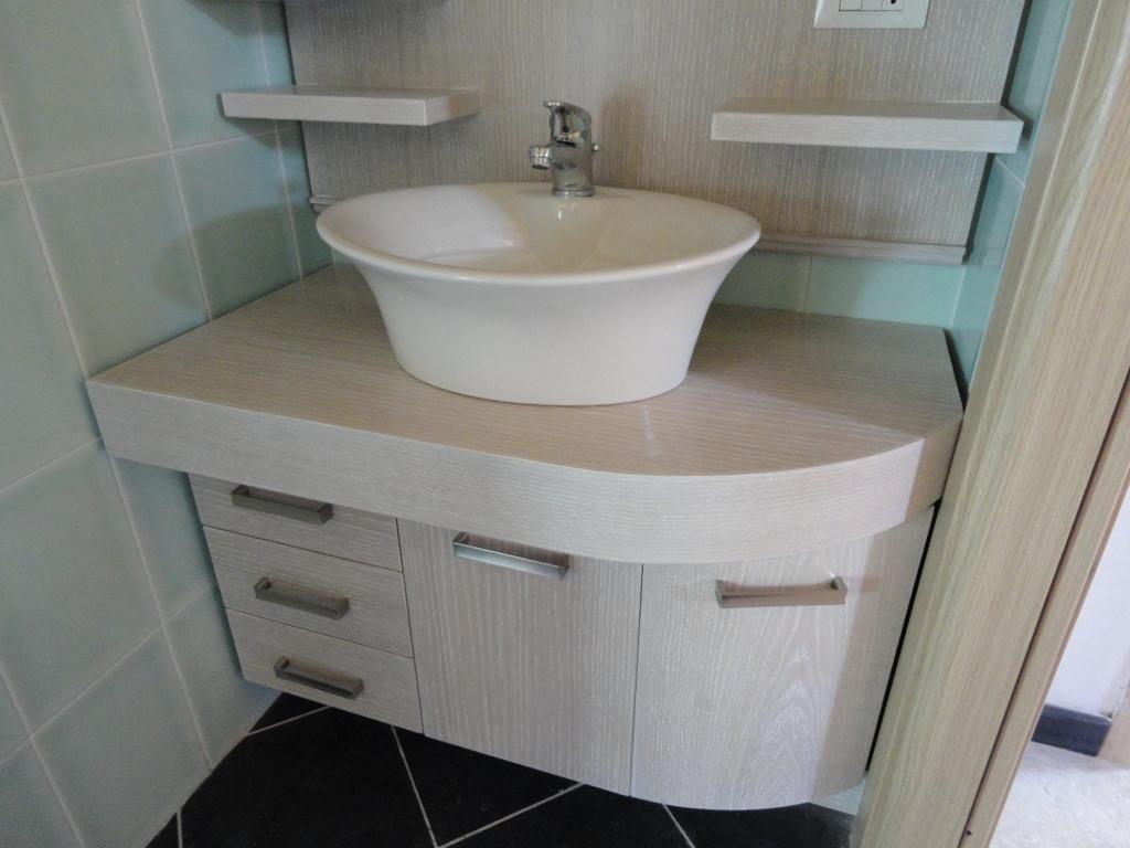 Arredamenti oscar bellotto mobili bagno moderni genova for Mobili genova outlet