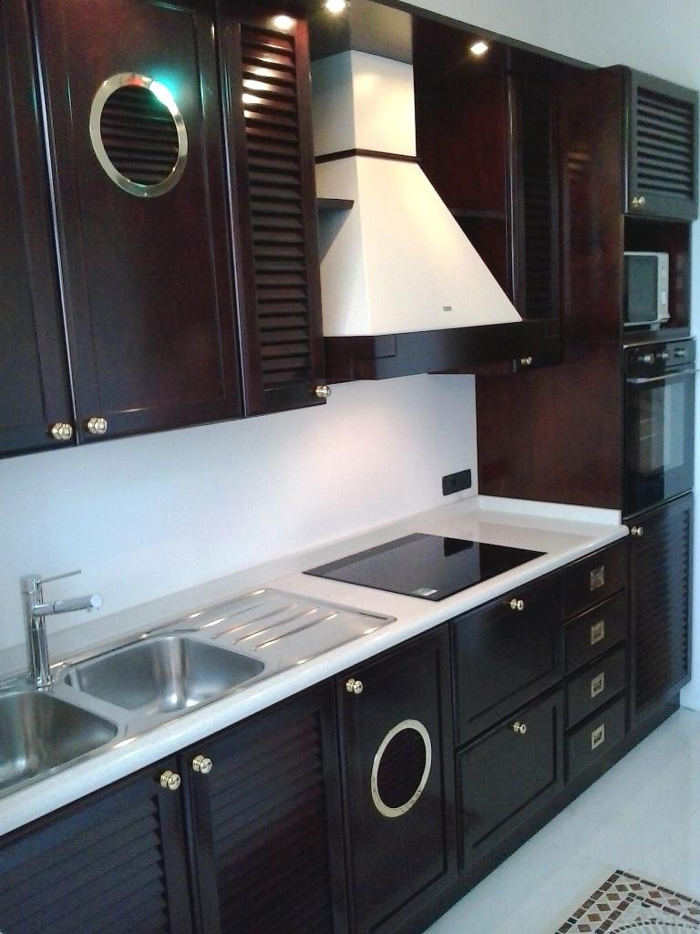 Arredamenti oscar bellotto bilocale genova anno 2012 for Aurelia arredamenti